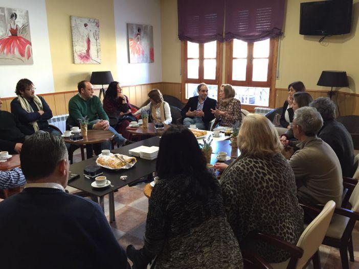FREAPA-CP debate en unas jornadas en Alcántara temas de actualidad e interés para las familias.